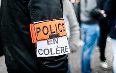 mouvement manifestation police
