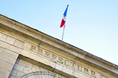 prefecture drapeau francais