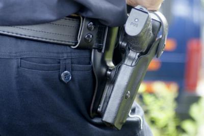Découvrez dans quelles circonstances les forces de l'ordre ont le droit d'ouvrir le feu.